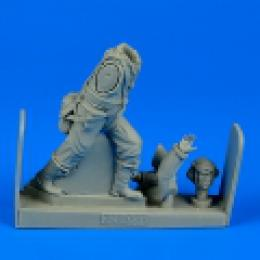 1/32 R.A.F. fighter pilot WWII