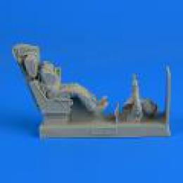 1/32 US Navy Fighter Pilot w/ eject.seat for F-8