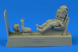 1/32 German Luftwaffe Pilot for Bf 109 with seat