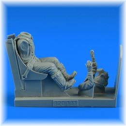 AEROBONUS 1/32 US NAVY WWII Pilot w/ ej.seat for F4U Corsair