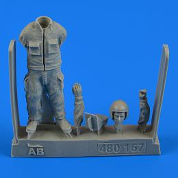 1/48 Warshaw Pact Aircraft Mechanic - part 3