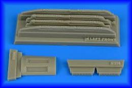 AIRES 1/48 Su17M3/M4 Fitter K loaded chaff/flare disp.