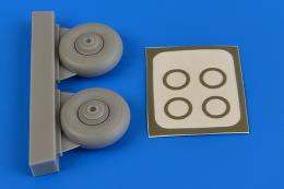 AIRES 1/72 Beaufighter wheels & paint masks (for Airfix)