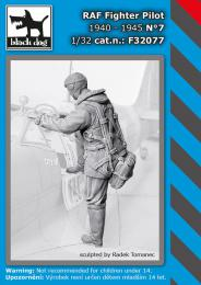 BLACKDOG 1/32 RAF Fighter pilot 1940-45 No.7 (1 fig.)