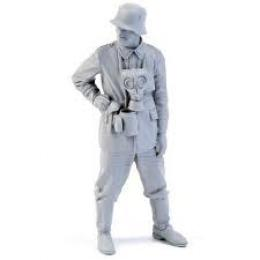 CMK 1/32 German WWII Mortar Crew Commander for 1 fig.