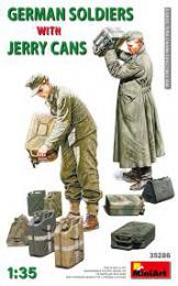 MINIART 1/35 German soldiers w/ jerry can