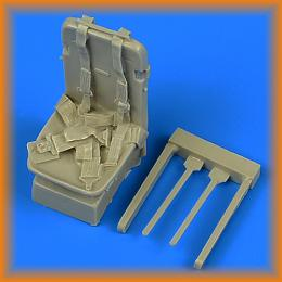 QUICKBOOST 1/32 P-51D Mustang seat with safety belts