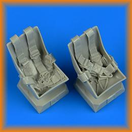 QUICKBOOST 1/32 Bucker Bu 131 seats w/ seatbelts (ICM)