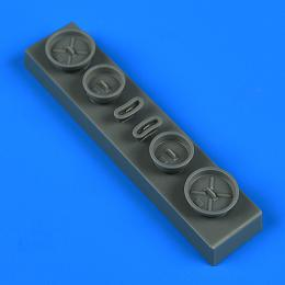 QUICKBOOST 1/72 E-2 Hawkeye FOD covers for HAS