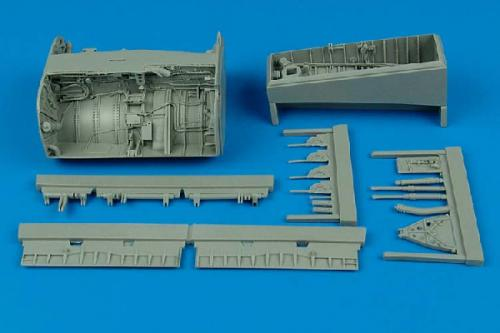 AIRES 1/32 F-8 Crusader wheel bay  (for Trumpeter)
