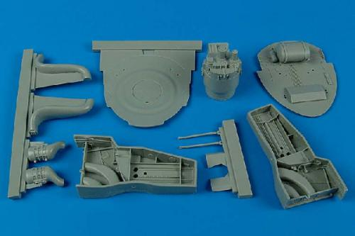 AIRES 1/32 F8F-1 Bearcat wheel bay  (for Trumpeter)