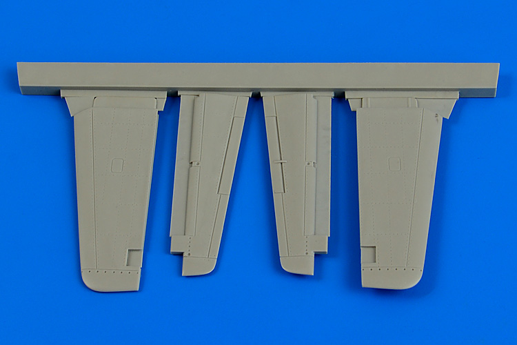 AIRES 1/48 P-51D Mustang control surfaces (for Tamiya) - zvìtšit obrázek