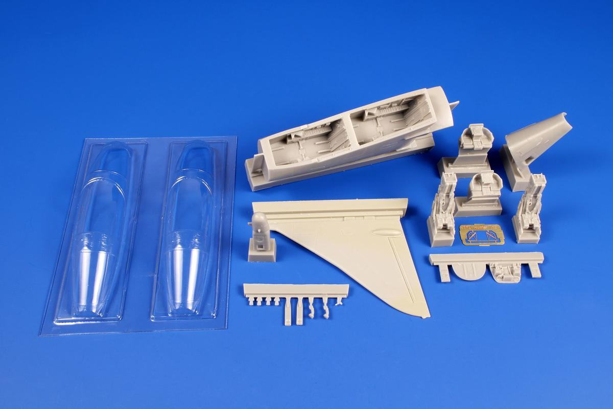 CMK 1/48 Harrier T.Mk.12 Conversion set for HAS - zvìtšit obrázek
